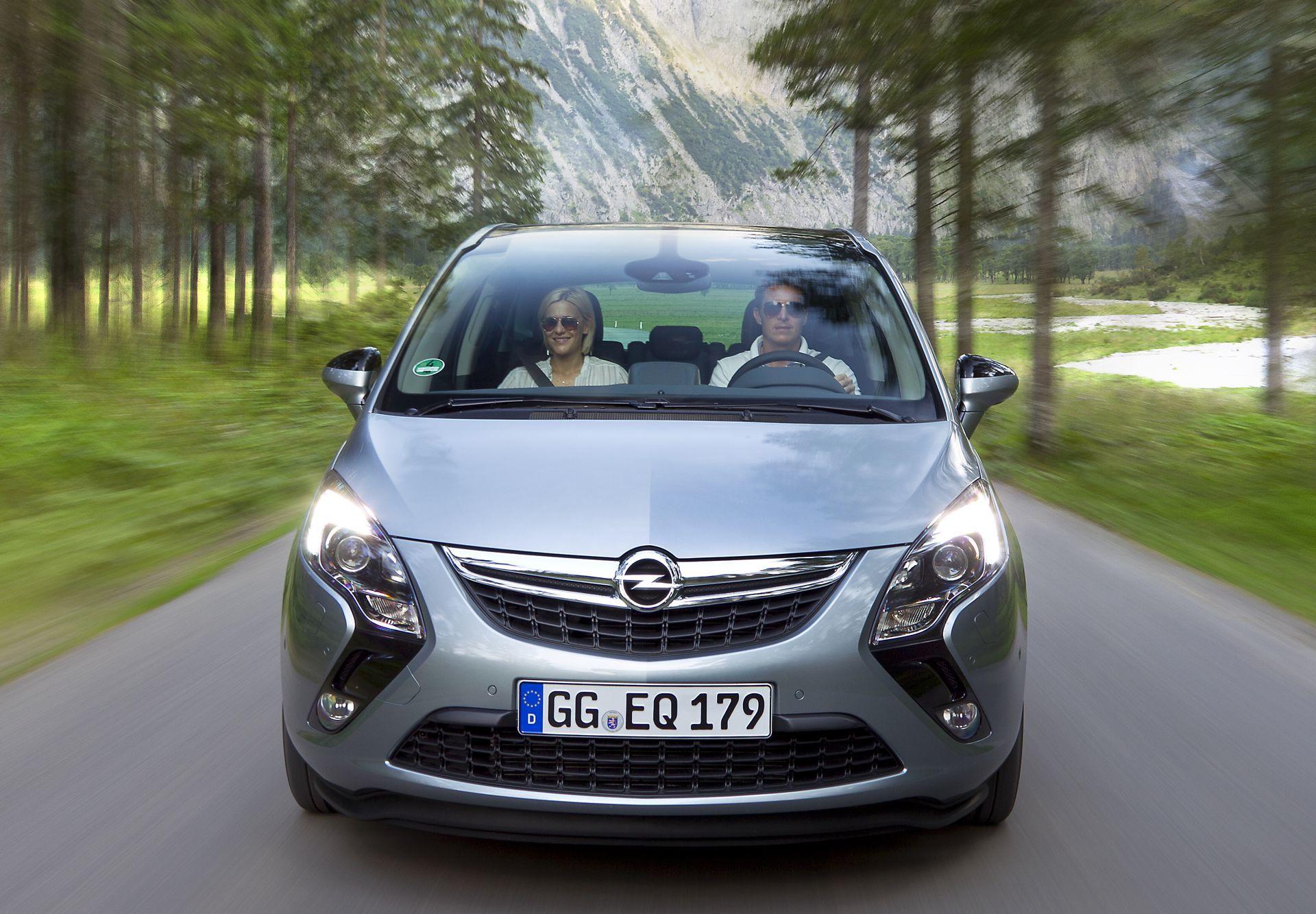 Foto de Opel Zafira Tourer (17/23)