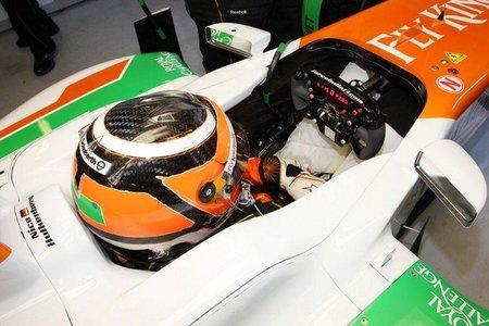 Nico Hulkenberg lidera la sesión matutina del segundo día de pruebas en el Circuit de Catalunya