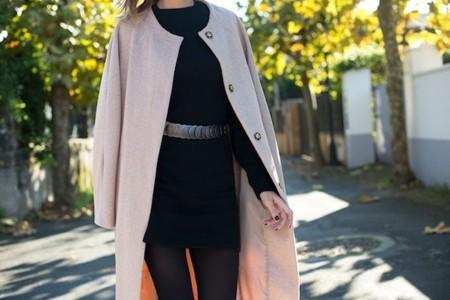 Rosa. El abrigo se lleva de color rosa, que te quede claro