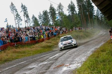 Rally de Finlandia 2014: Jari-Matti Latvala aguanta el tipo frente a Ogier