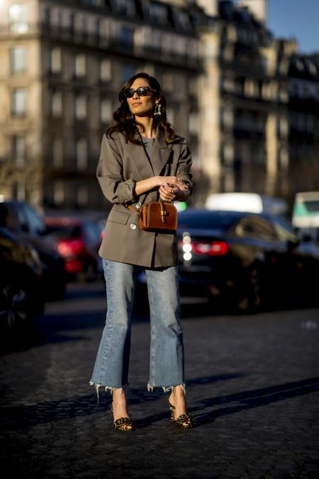 Paris Str A Rf19 3272