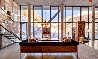 Puertas abiertas: un loft con mucho estilo en las montañas suizas
