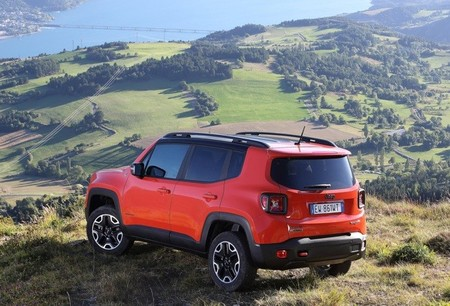 Jeep Renegade 2015 02