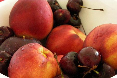 Melocotones, nectarinas y ciruelas contra la acumulación de grasa en el organismo
