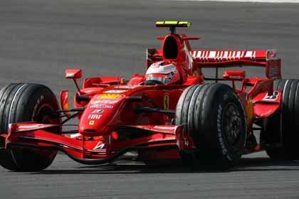 Victoria de Raikkonen y título mundial para Ferrari
