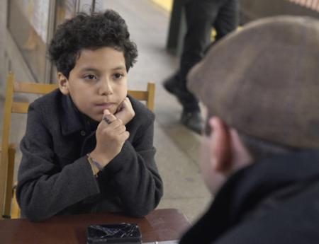 Este niño de once años da consejos a quien se lo pida para recaudar dinero para los niños más necesitados