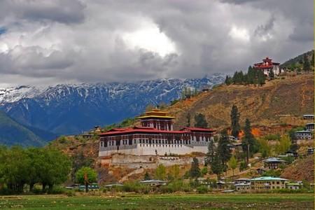 ¿De verdad que Bután es el lugar más feliz e idílico del mundo?
