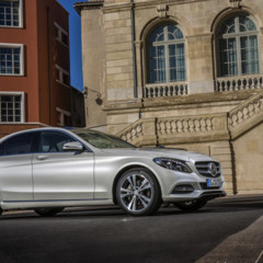 mercedes-c-250-bt-avantgarde-diamantweiss