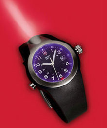 Reloj Suizo del ejército con localizador nocturno