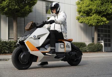 La BMW Definition CE 04 es la evolución de la moto eléctrica conectada que quieren vender, pero sigue siendo un prototipo