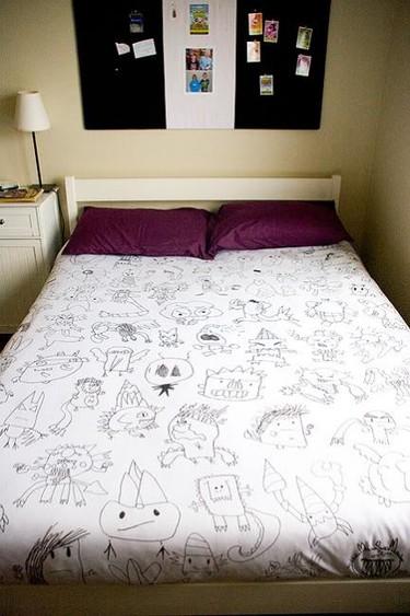 Una buena idea: haz una sábana con los dibujos de tu hijo