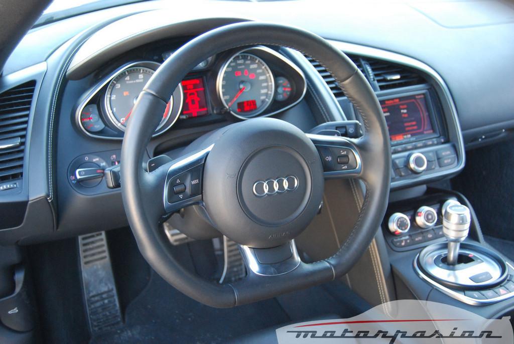 Foto de Audi R8 4.2 FSI R tronic (prueba) (19/50)