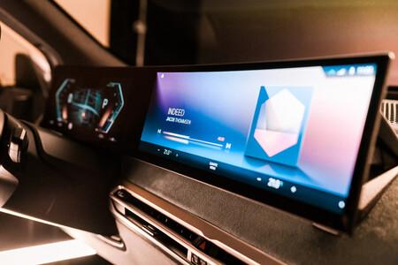 BMW muestra la nueva generación de iDrive, el sistema operativo central de su próximo SUV eléctrico BMW iX