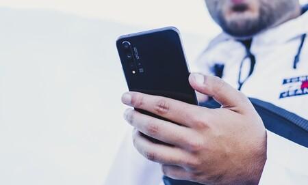 Huawei Nova 5T, un gama media con cuatro cámaras, rebajadísimo hoy y con una Huawei Band de regalo