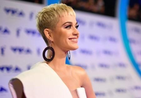 El look más esperado de los MTV VMA 2017: Katy Perry se mantiene comedida con un total white precioso