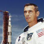 Sólo quedan seis de los 12 hombres que han ido a la Luna: muere el último en haberla pisado, Eugene A. Cernan