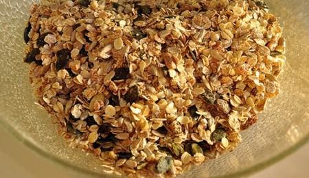 ¿Qué hacer con los restos de cereales que hay al fondo de la caja? ¡Piensa en tus tartas!