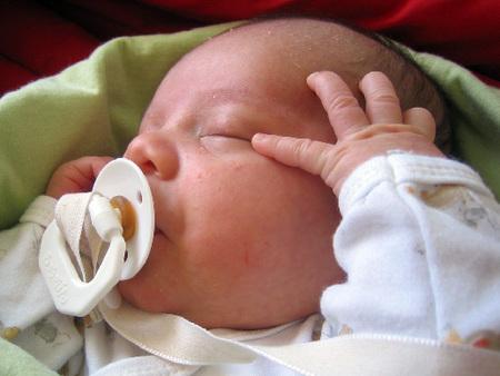 chupete en un bebe