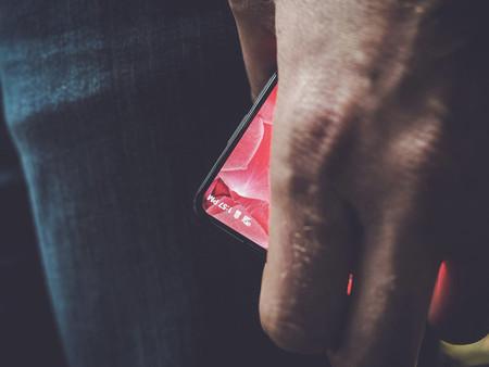 Sin marcos: así sería el móvil de Andy Rubin, creador de Android