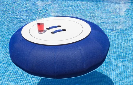 Mesa flotante de piscina