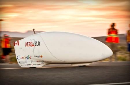"""Con """"sólo"""" 137,9 km/h, este es el vehículo de tracción humana más veloz del planeta"""