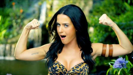 Guapos, ricos y famosos: ¿por qué gente cómo Katy Perry tiene cuenta en Tinder?