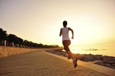 El cardio en ayunas no hace que pierdas más grasa, según el último estudio