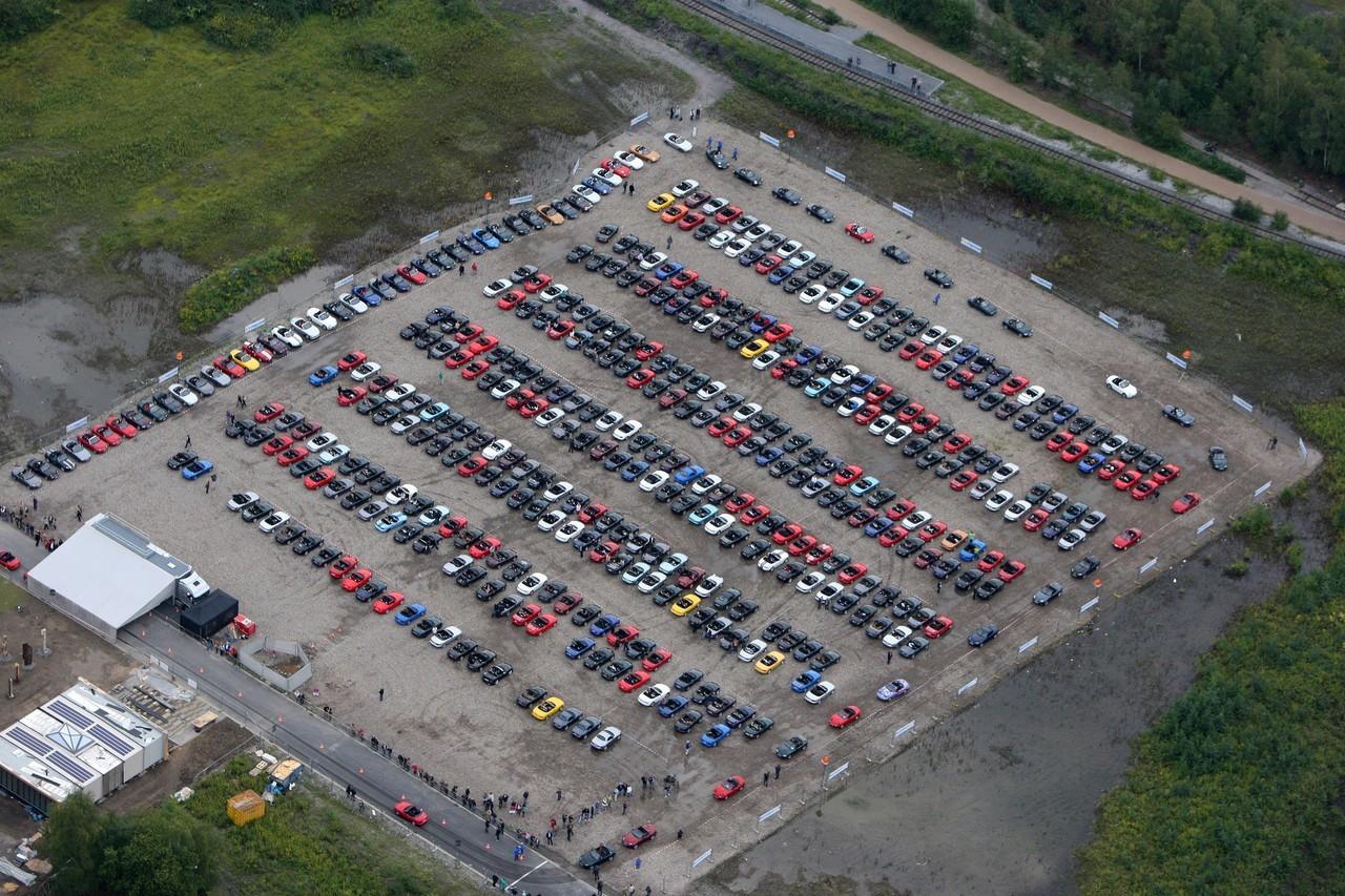 Foto de Concentración Mazda-MX5 2010 en Essen  (6/11)