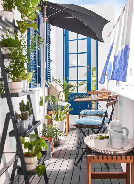 Cinco piezas imprescindibles de Ikea para mini balcones