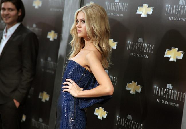 Nicola Peltz it girl gira Transformers: The Age of Extinction