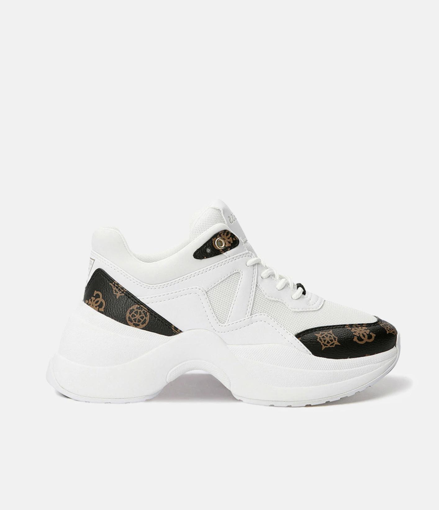 Zapatillas deportivas de mujer Guess tipo bota en blanco con multi logo de la marca