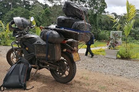 ¡15.000 km en moto eléctrica! Esta Zero DSR Black Forest aguantó el África más dura durante seis meses