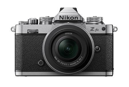 Nikon Z Fc Frontal