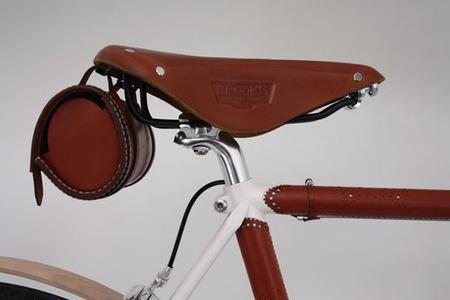 Bolsa y sillin de cuero bicicleta Brogue