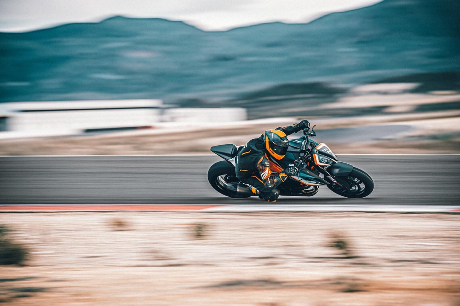 Foto de KTM 1290 Super Duke RR 2021 (8/13)