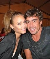 Dasha Kapustina, la churri de Fernando Alonso, por fin suelta prenda sobre el noviazgo