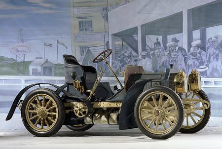 Mercedes Benz 1900 4