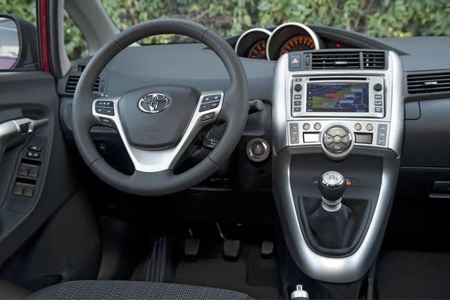 Toyota Verso 2012