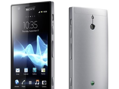 Sony Xperia P con White Magic Display y NFC