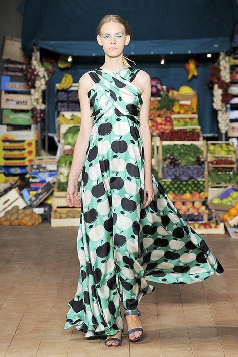 Foto de Moschino Cheap and Chic Primavera-Verano 2012 (10/28)