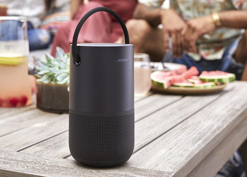 El nuevo Bose Portable Home Speaker es un altavoz con Alexa y Assistant que no necesita cables para recibir órdenes
