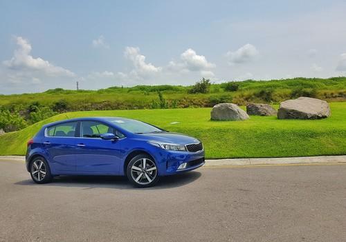Manejamos el KIA Forte Hatchback y es tan bueno como el sedán pero más juvenil y atrevido