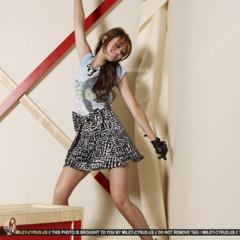 Foto 2 de 4 de la galería todas-las-imagenes-de-myley-cyrus-para-seventeen en Trendencias