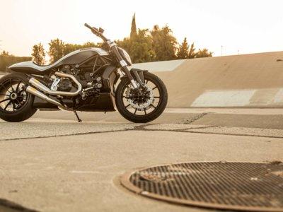 Ducati XDiavel por Roland Sands Design, carrocería de una pieza y olor a barbacoa