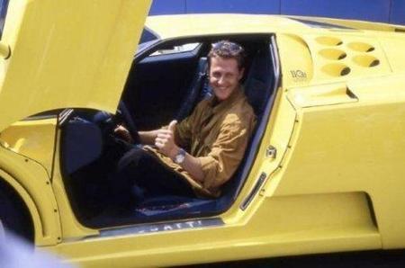 Michael Schumacher pone en venta su Bugatti EB 110 SS
