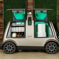 Este coche autónomo y eléctrico promete entregar pizzas en Houston a finales de año, al estilo 'Black Mirror'