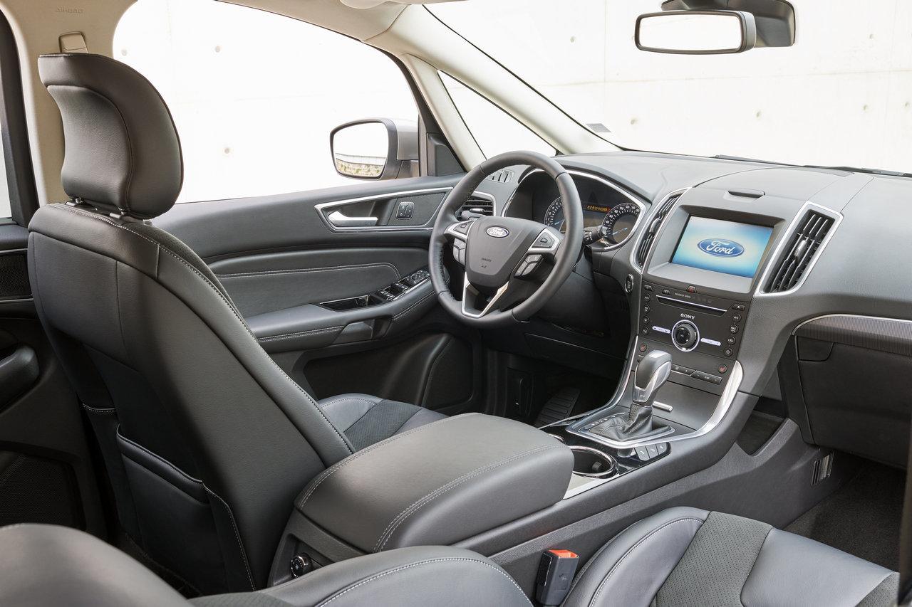 Foto de Ford S-MAX 2015 (34/59)