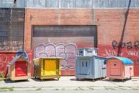 Gregory Kloehn transforma la basura en originales hogares móviles para los sin techo