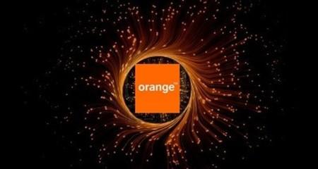 La CMT arbitrará a Telefónica y Orange por los tendidos verticales de fibra óptica