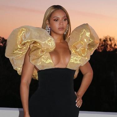 Beyoncé se viste de dorado para acudir a los Globos de Oro (con un look épico y espectacular)
